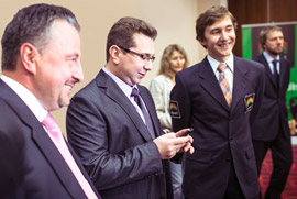 Karjakin Is Pleased to Finally Get a Helping Hand